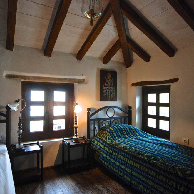 pelionhomes_stonehouse_bedroom